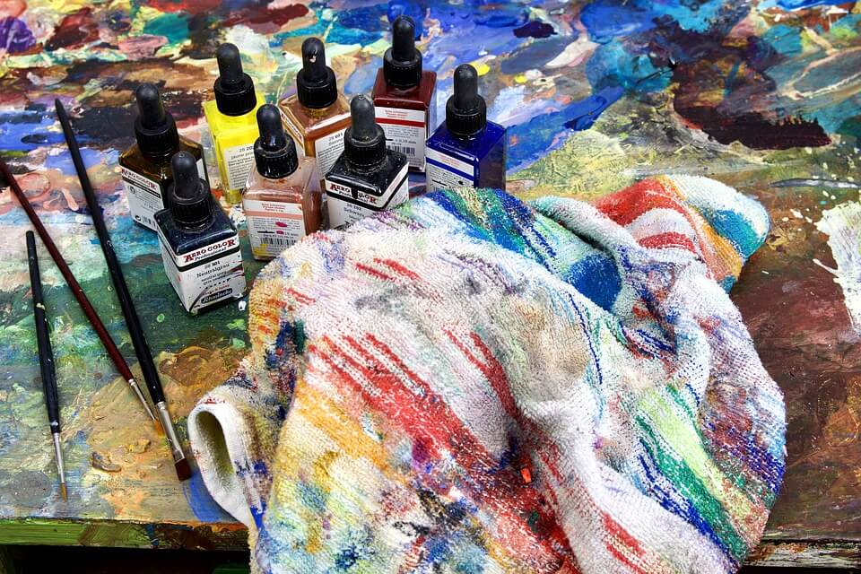 4 Different types of paints