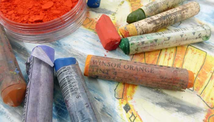 6 Essential Accessories For Pastel Painting